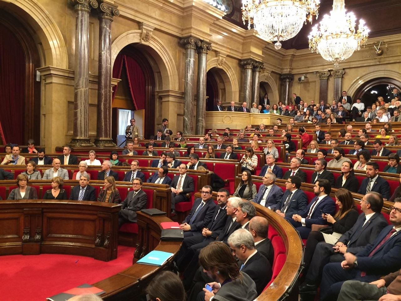 Parlament agost