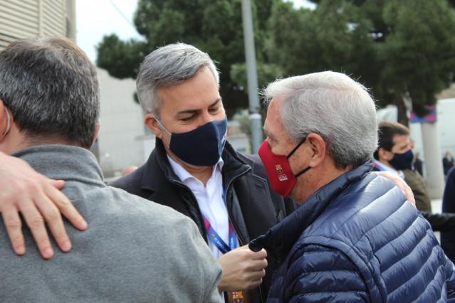 El candidat a la presidència del FC Barcelona Víctor Font poc abans de votar, al Camp Nou